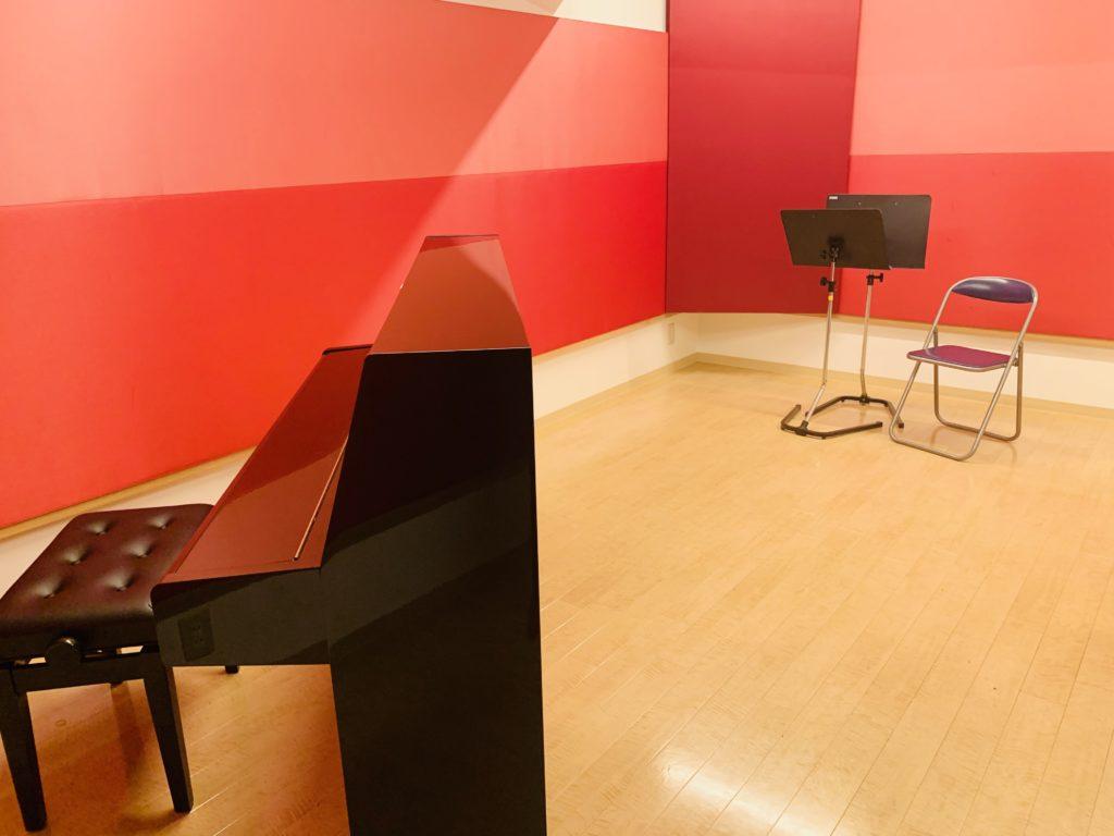 レッスンにも便利なアップライトピアノ